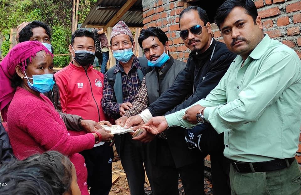 वाइसिएल सल्यानद्धारा अग्निपिडित र र्दीघ रोगीलाई राहत वितरण
