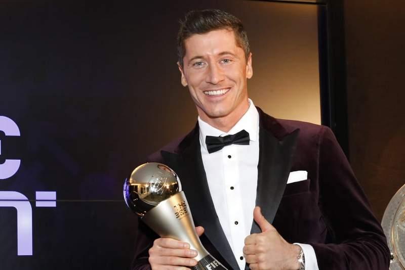 मेसी र राेनाल्डोलाई पछि पार्दै लेवान्डोस्की बने फिफा वर्ष खेलाडी