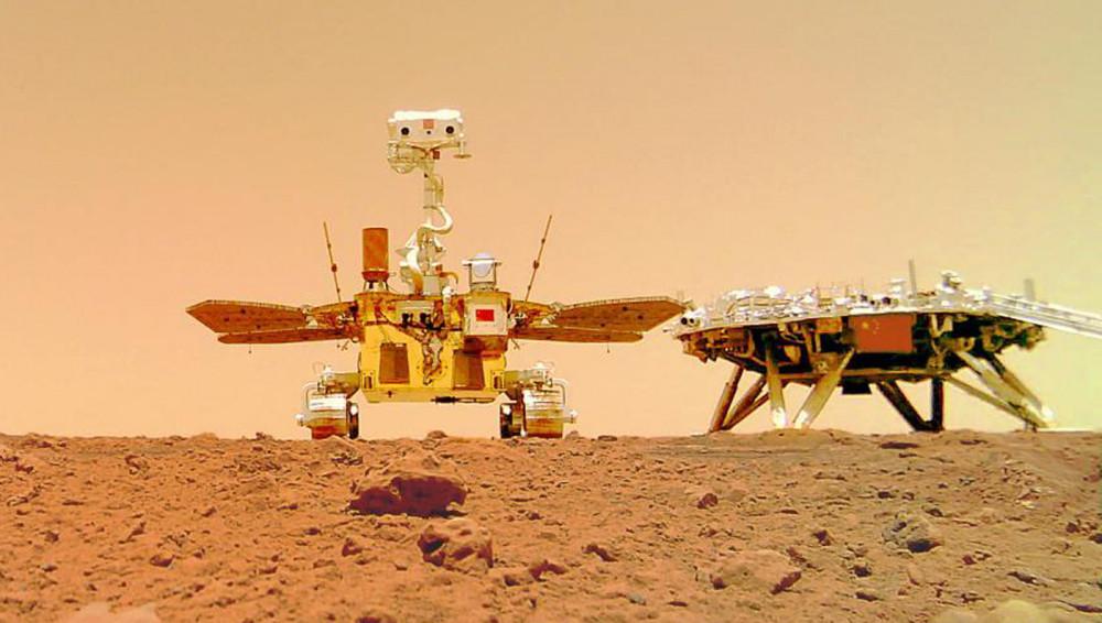 मंगल ग्रहमा रहेको चिनियाँ रोभरले खिचेका तस्बिरहरु सार्वजनिक