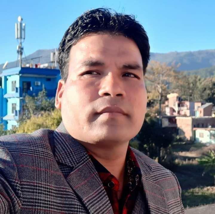 प्रधानाध्यापक नेपाली प्रवल जनसेवा श्री (चतुर्थ)बाट सम्मानित