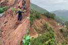 अविरल वर्षाका कारण कपुरकोटका एक परिवार विस्तापित, राप्ती राजमार्ग अवरुद्ध